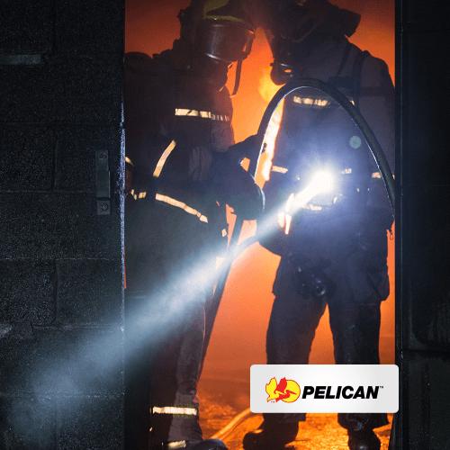 Flashlight : Pelican 3715 Right Angle Light